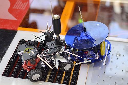 Tech Support Robot Joust