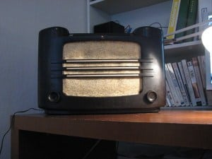 1937 Philips Radio