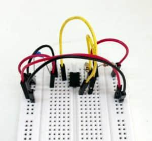 555-timer-oscillator-breadboard